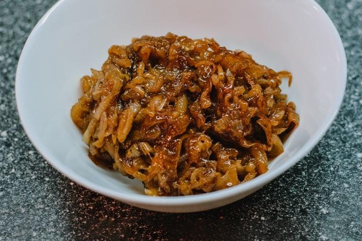 Caramelized onion into a plate