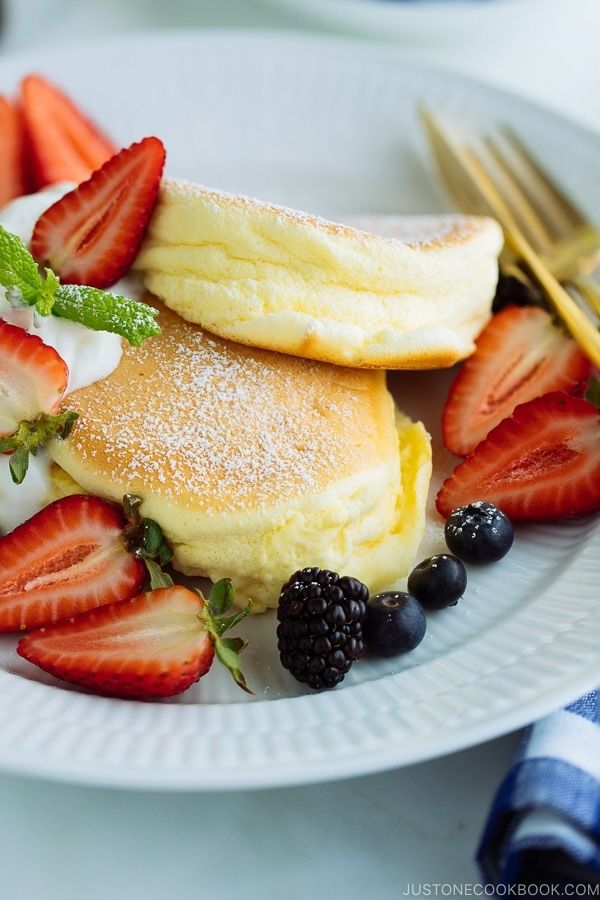 Fluffy Japanese Souffle Pancakes