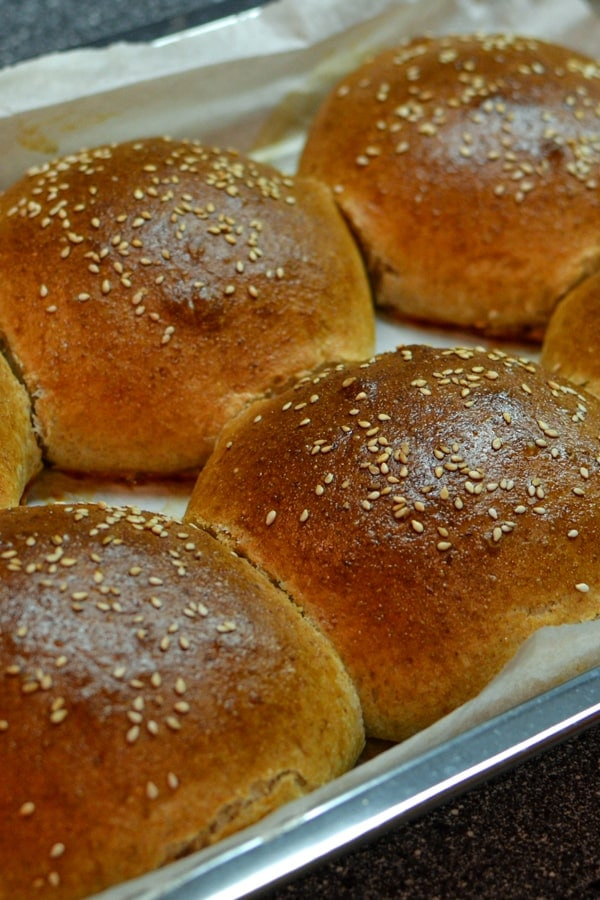 Baked burger buns at home