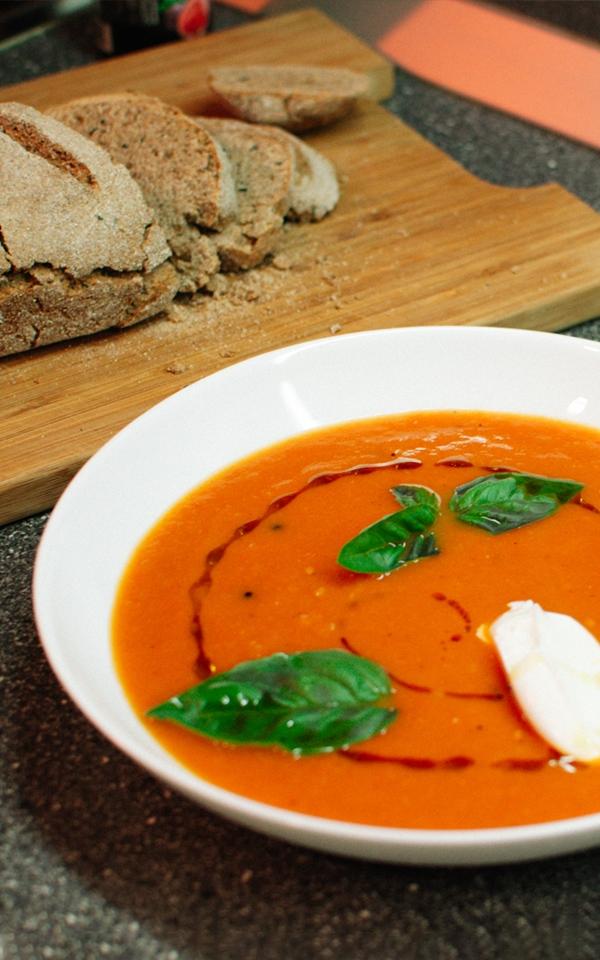 Delicious home made tomato soup recipe with bread