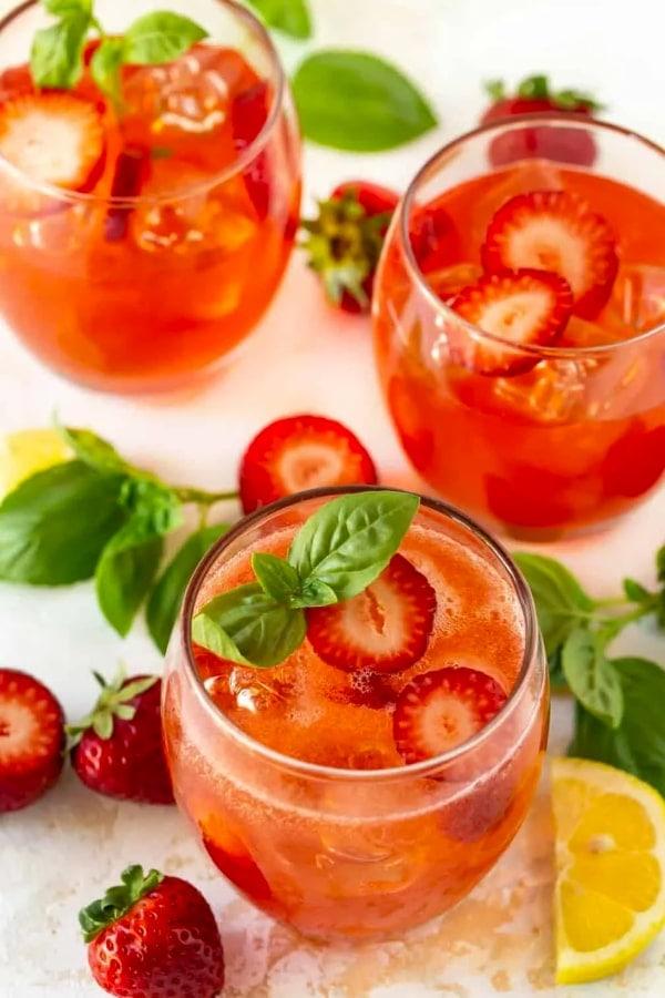 https://www.garnishwithlemon.com/strawberry-basil-vodka-cocktail/